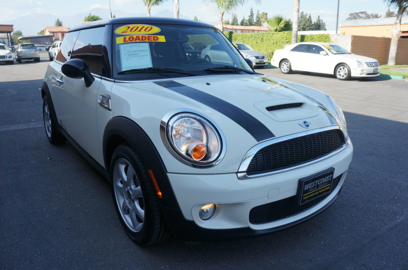 2010 MINI Cooper Hardtop S 09 APRLimited term financing OAC  on 09 or newer models nbspr